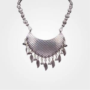Get this Silver Broad look Necklace perfectly suit on ethnic dresses.Approx Wt.-67gm (92.5% Pure Silver Jewellery). Add aesthetics to your ethnic look and make your presence even more adorable.