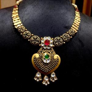 Antique Gold Necklace Set for regular party wear. Gold virtue Kundan Diamond Polki Necklace set with Ruby. Neckband set is with full Gold and Diamond. Light weight gold accessory. Approx wt.- 53gm (22Kt)